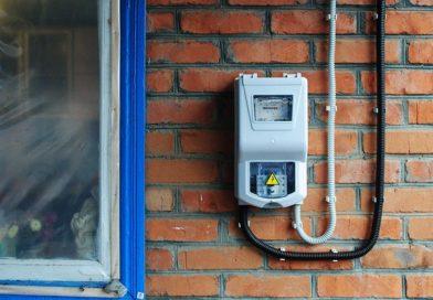Зачем нежилому дому электросчетчик?