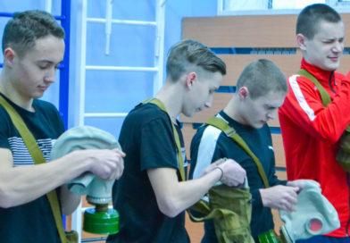 В Усть-Пристанской школе прошла военно-спортивная игра «Зарница»