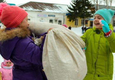 Фоторепортаж проводов зимы в Усть-Пристани