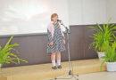 Александра Перегудова из Усть-Пристани читает стихотворение на районном конкурсе (видео)